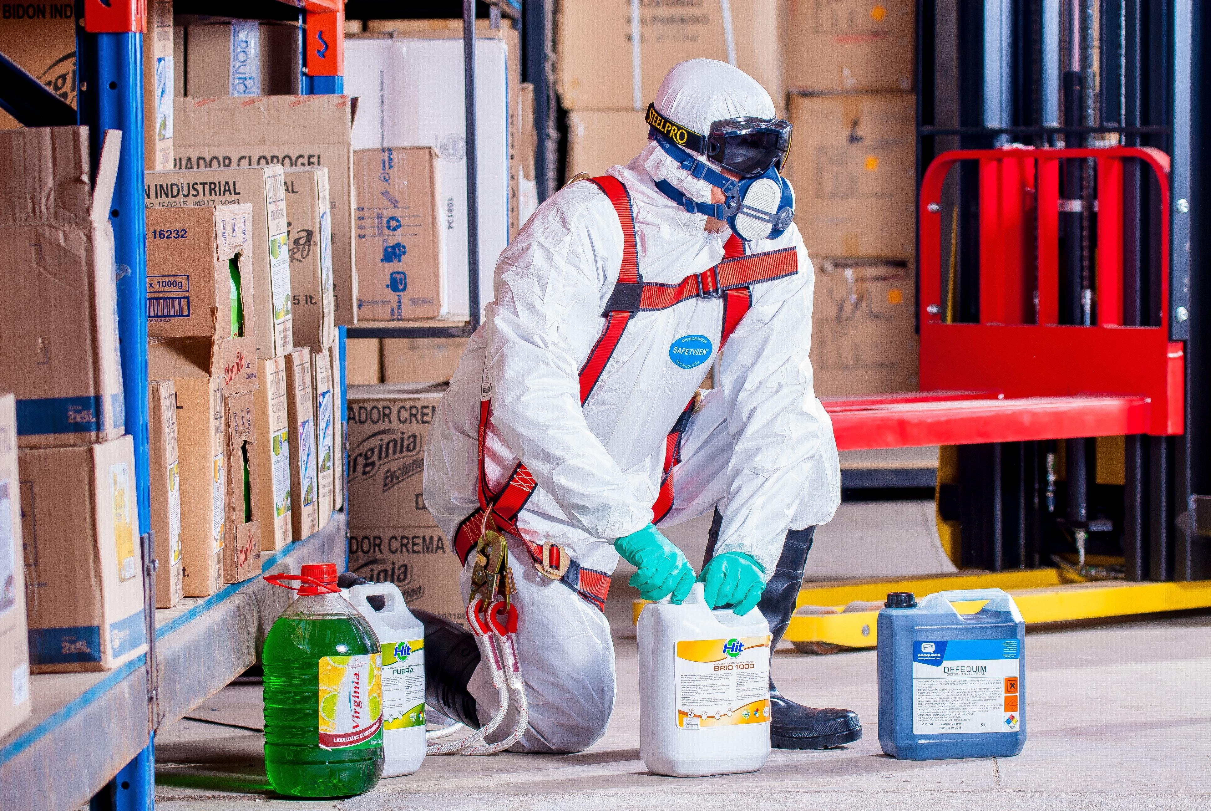 Riscuri generate de prezenta agentilor chimici periculosi